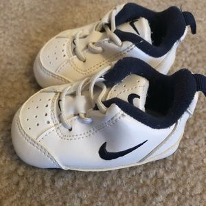 Nike Navy and White Baby Crib Shoes Sneakers